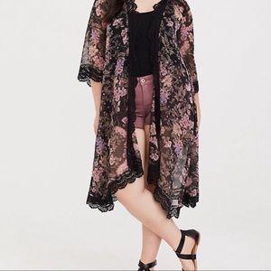 Torrid Floral Kimono 🌸 💫
